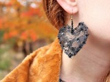 diy-lace-heart-to-heart-earrings-8