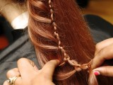 diy-ladder-braid-to-fancy-up-your-ponytail-5