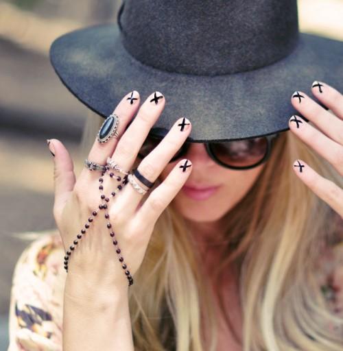 DIY Ladylike Nude With X Manicure