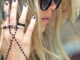 diy-ladylike-nude-with-x-manicure-2