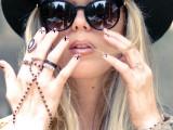 diy-ladylike-nude-with-x-manicure-3