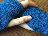 diy-lattice-knit-wrist-warmers-4