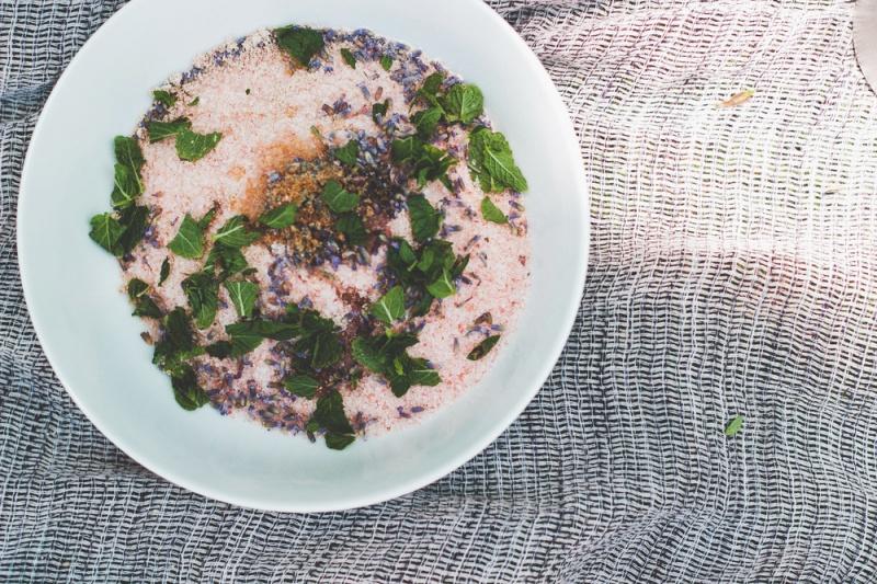 Picture Of diy lavender mint himalayan salt scrub and soak  2