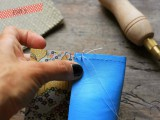 diy-leather-pouch-with-patterned-fabric-inside-5