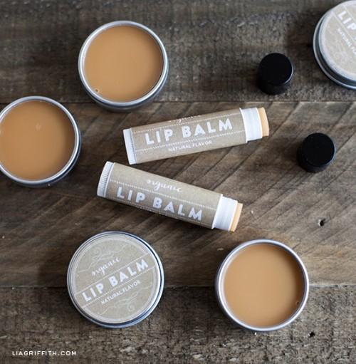cocoa and shea butter lip balm (via liagriffith)