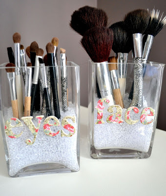 DIY Makeup Storage (via lizmarieblog)