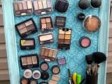Make-up Magnet Board