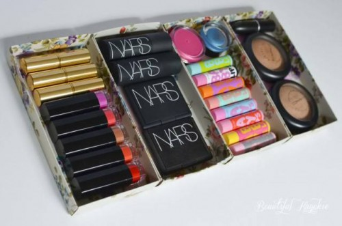 DIY Makeup Storage: Repurpose Discarded Christmas Boxes (via beautifulkayekie)