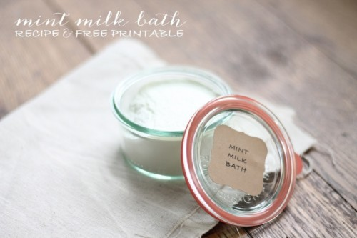 mint milk bath salts (via shelterness)