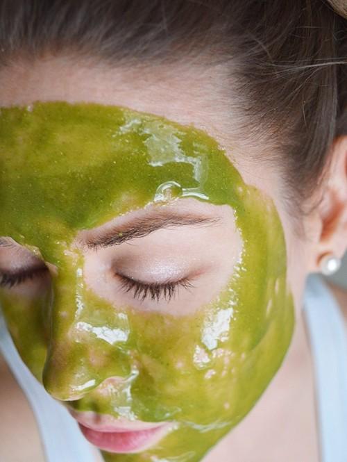 wheatgrass and honey face mask (via styleoholic)