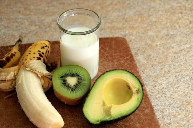 avocado, kiwi and banana mask