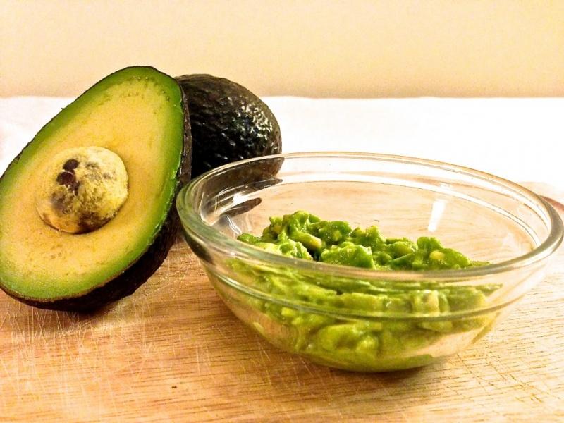 avocado, banana and olive oil mask