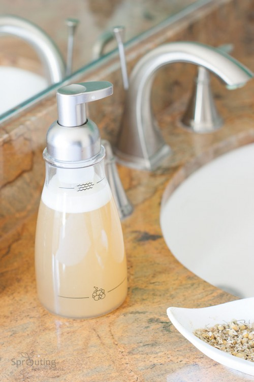 DIY Natural Chamomile Foaming Handsoap