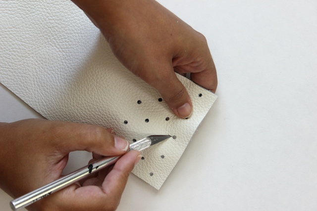 Picture Of diy no sew leather glasses pouch  4
