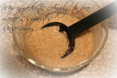 soothing oatmeal face mask (via ellesees)