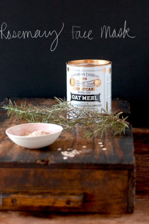 rosemary oatmeal face mask (via michelle-s)