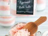 diy-peppermint-bath-salts-for-christmas-2