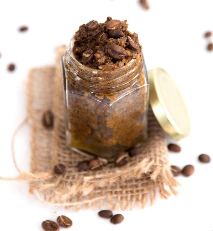 Picture Of diy pumpkin spice latte body scrub  1
