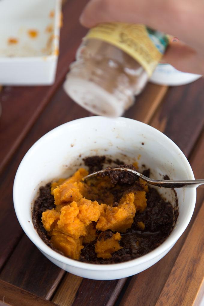Picture Of diy pumpkin spice latte body scrub  4