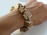 diy-pyrography-wooden-cube-bracelet-1