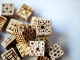 diy-pyrography-wooden-cube-bracelet-4