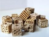 diy-pyrography-wooden-cube-bracelet-5