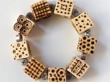 diy-pyrography-wooden-cube-bracelet-6