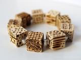 diy-pyrography-wooden-cube-bracelet-7