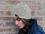 diy-simple-crochet-oatmeal-button-hat-4