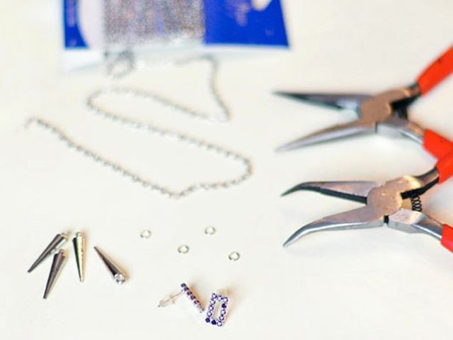 Picture Of diy spike earrings for parties  2