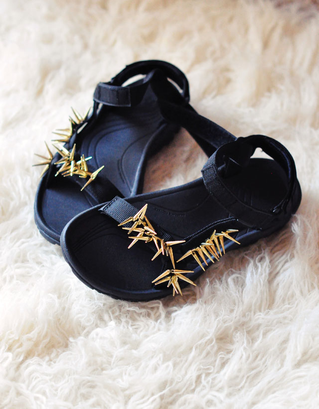 Picture Of diy spiky embellished sport sandals  8