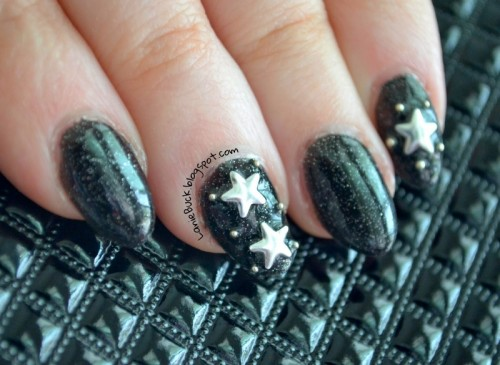 DIY Starry Night Sky Nail Art With Studs