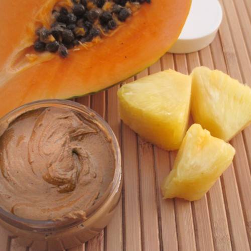 exfoliating papaya and pineapple face mask (via crafts)