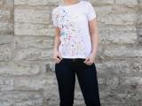 diy-super-easy-paint-splatter-t-shirt-5
