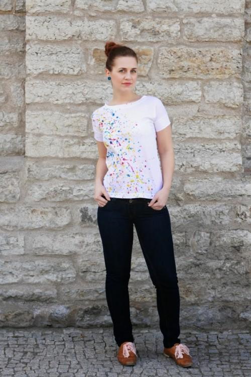 DIY Super Easy Paint Splatter T Shirt