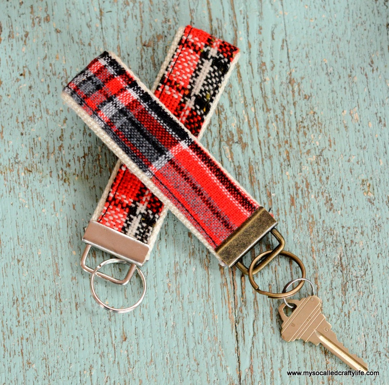 Picture Of diy vintage fabric and webbing key chain  1
