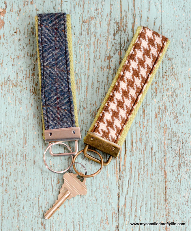 Picture Of diy vintage fabric and webbing key chain  2