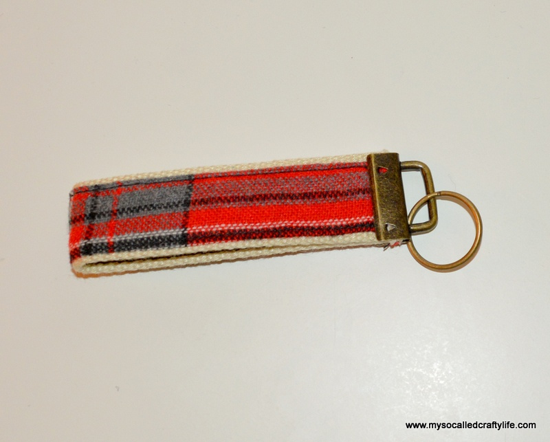 Picture Of diy vintage fabric and webbing key chain  9