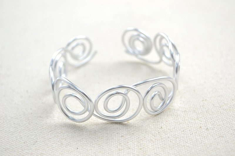 Picture Of diy wire bangle bracelets with beads  3