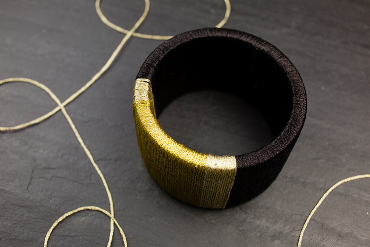 Picture Of diy wrapped metallic thread bracelet  2