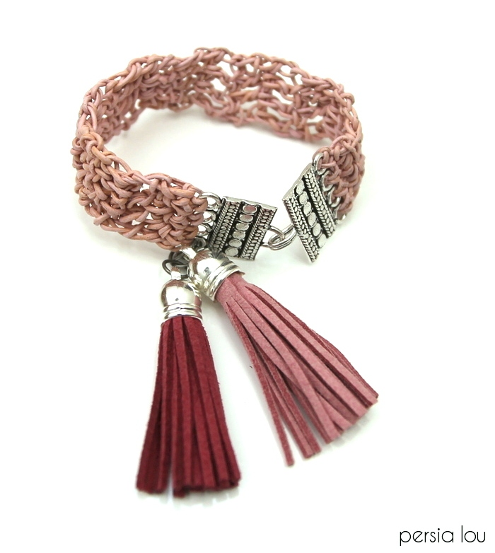 Picture Of dusty pink diy crochet leather bracelet  1