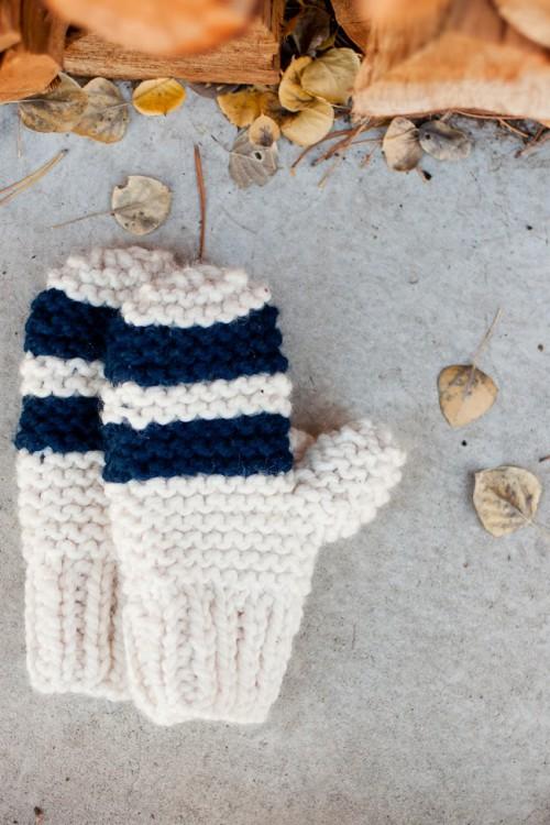 chunky mittens (via flaxandtwine)
