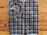 Winchester plaid mittens