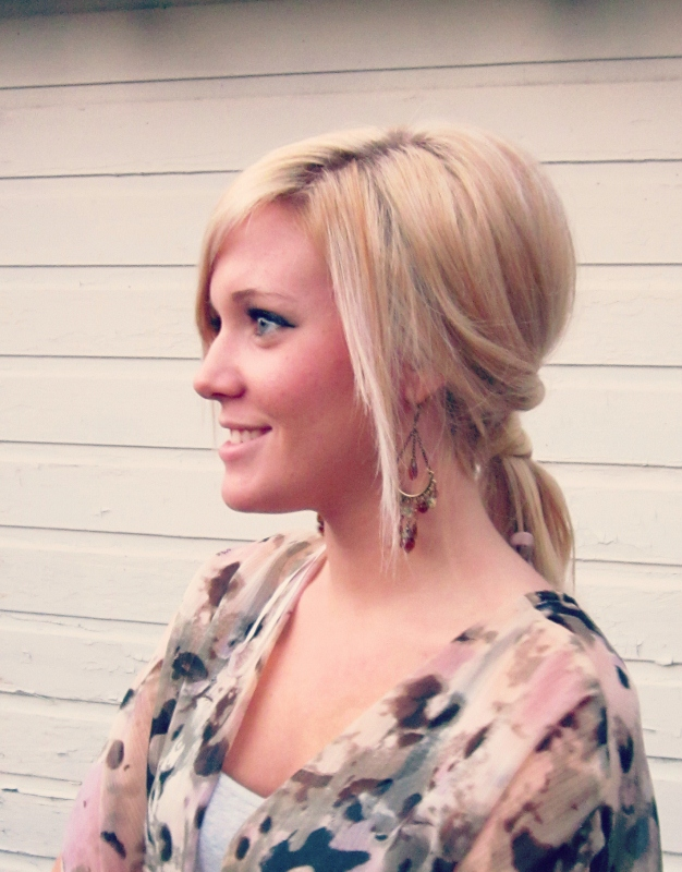 Picture Of easy and versatile diy ponytail  1