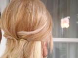 easy-and-versatile-diy-ponytail-4