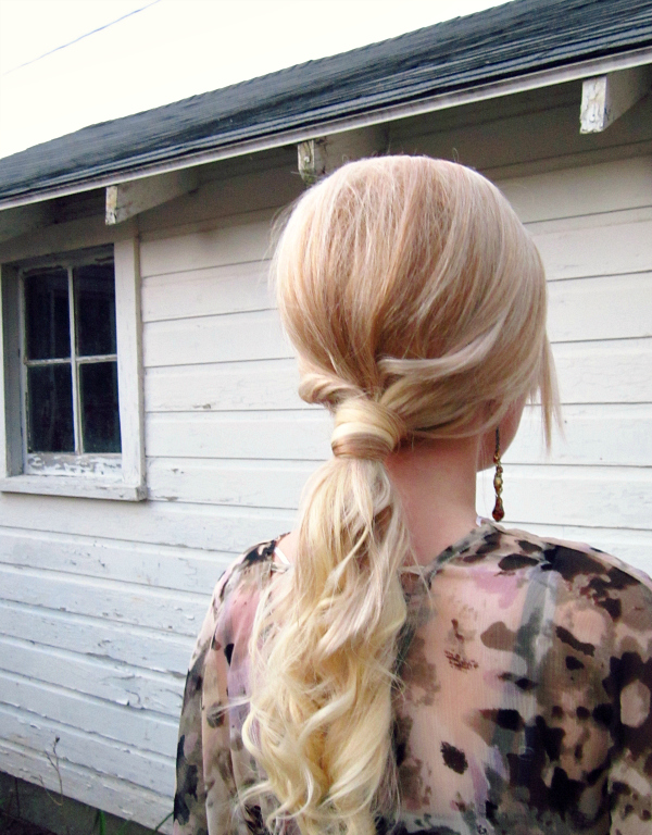 Picture Of easy and versatile diy ponytail  6