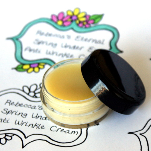 nourishing under eye cream (via soapdelinews)