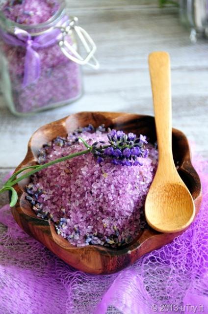lavender detox bath salts (via shelterness)