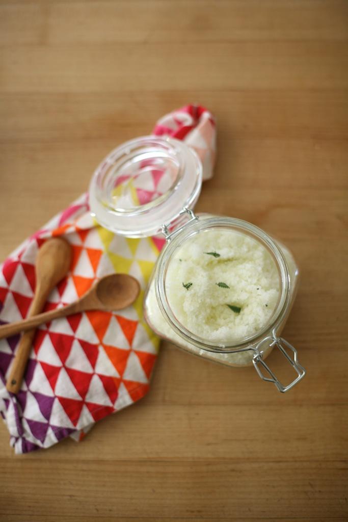 olive and lavender bath salts