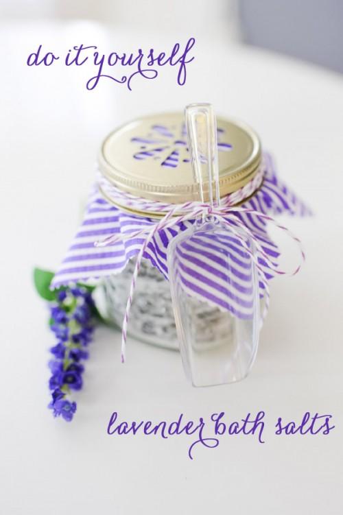 lavender bath salts (via heartloveweddings)